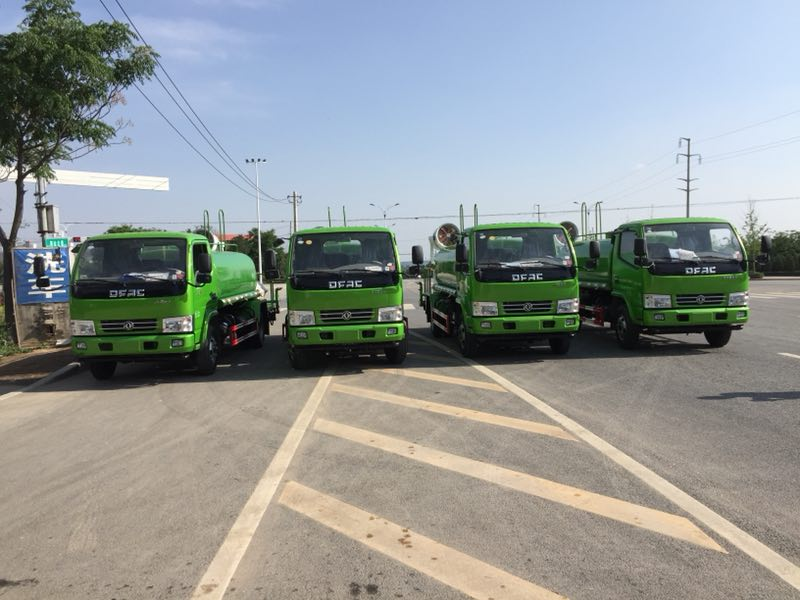 徐州市城乡管理局订购4台喷雾车交付